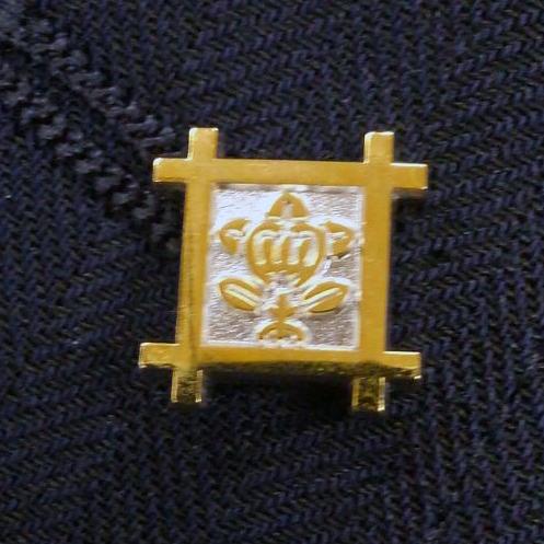 井桁橘紋ピンバッジ